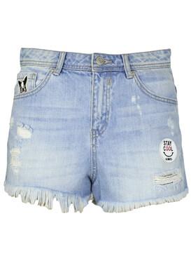 Pantaloni scurti Vero Moda Victoria Light Blue