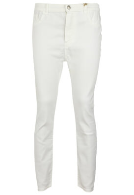 Blugi Pull and Bear Donna White